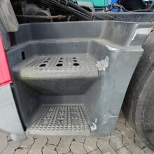 Entrance Iveco Stralis links 500375430
