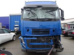 Driver Cab Volvo FH 13 Globetrotter Unfall L2H2